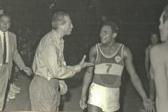 4-024-JUAN-A.-SAEZ-arbitro-el-AGUILAS-MONTEVIDEO-7-Mayo-1965