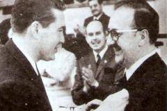 4-056-INSIGNIA-DE-ORO-A-JOSe-IG.-GARAMENDI-10-06-1967