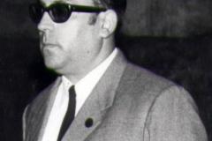 4-004-PACO-LIBARONA-Primer-Comisario-Mesa.