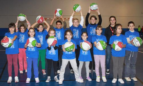 La Fundación Bizkaiabasket colabora en la llegada del baloncesto a Lemoa