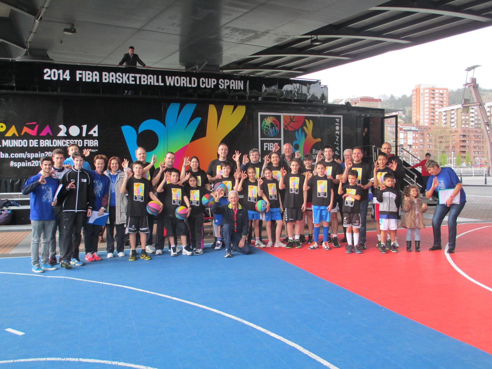El FIBA BASKETBALL ROAD SHOW ha llegado a Bilbao