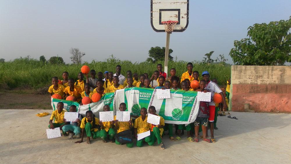 Nuestros embajadores avanzan en la formación de los futuros entrenadores en Kandi